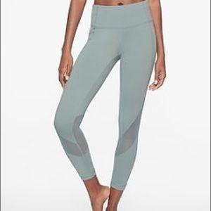 Athleta Eclipse 7/8 leggings medium worn once